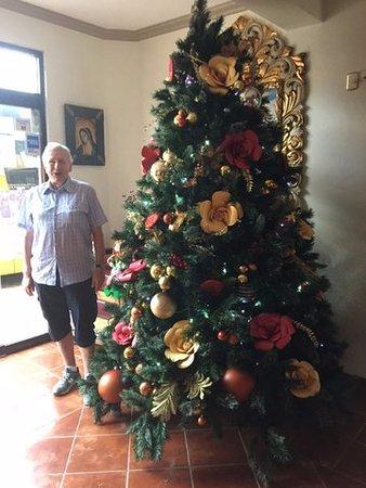 Tehuantepec, Mexico: Choinka w holu hotelowym