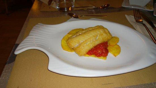 Algaida, Espagne : Filete de Bacalao frito con pimientos asados