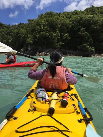 Abel Tasman National Park, นิวซีแลนด์: Tasman Bay Sea Kayaking Adventures