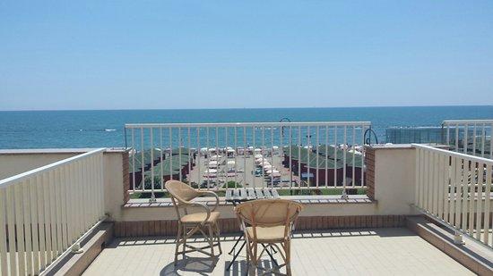 Hotel Sirenetta: Water front