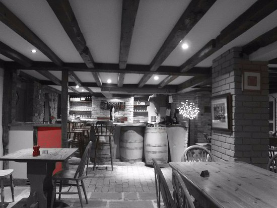 Rye Foreign, UK: Modern but traditional pub