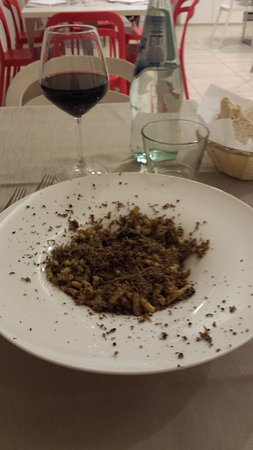 Gualdo Tadino, อิตาลี: passatelli al tartufo nero