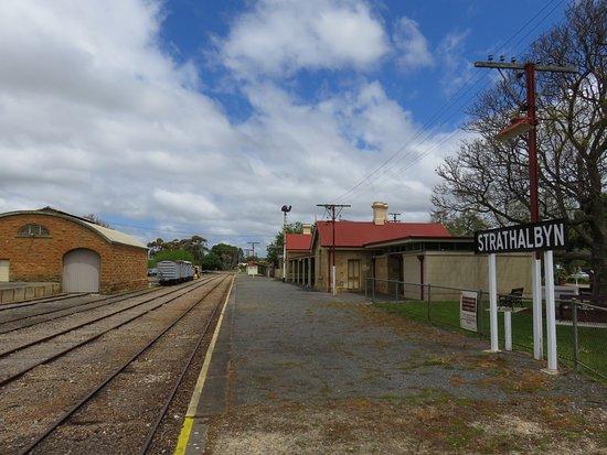 Strathalbyn Visitor Information Centre: Rail yard at rear