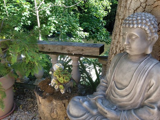 Belvianes et Cavirac, França: Jadin, zen attitude, reposant