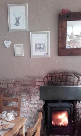 Dulverton, UK: local art, tea and a fire!