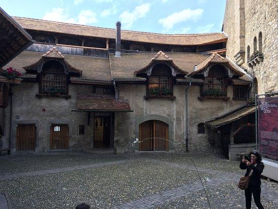 Chateau de Chillon: photo1.jpg
