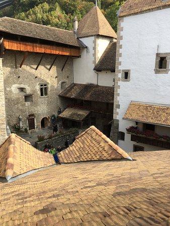 Chateau de Chillon: photo2.jpg
