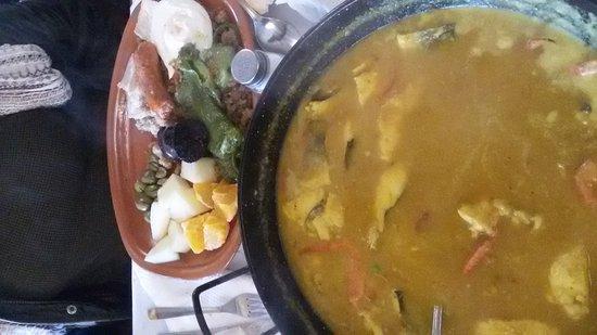 Villanueva del Trabuco, España: No dejes de probar la zarzuela de marisco.  Es un sitio estupendo para comer en familia.
