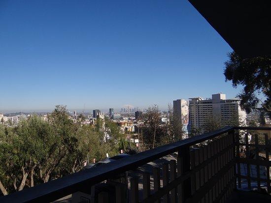 Hollywood Hills Hotel: Vista diurna