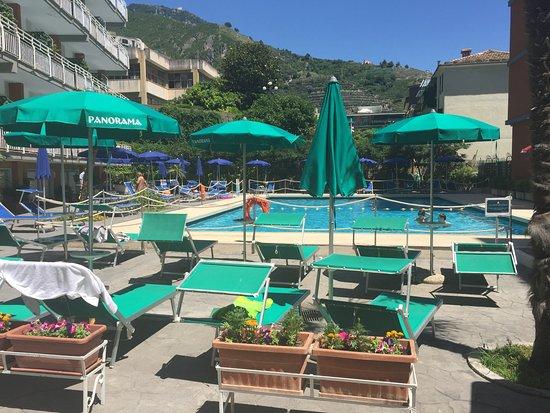 Panorama Santa Tecla Residence: Pool