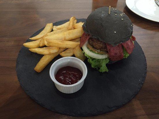 Sri Kembangan, Malesia: beef bacon burger