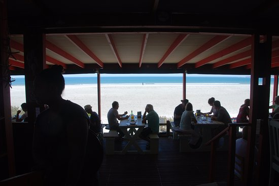 Paternoster, Sudáfrica: Not a great photo but it shows that we ate on the beach!
