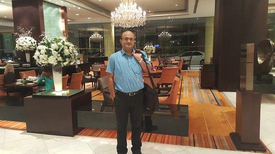 Holiday Inn Bangkok Silom: 20170118_222617_large.jpg