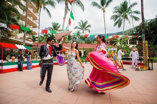 Barcelo Puerto Vallarta: Fiesta Mexicana