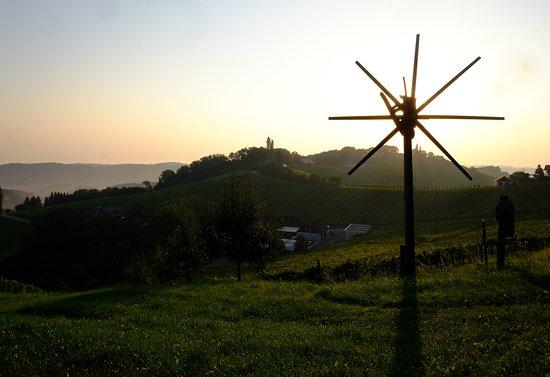Gamlitz, Austria: Das Klapotetz ist ein Wahrzeichen der Südsteirischen Weinstrasse.