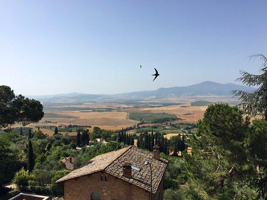 Пиенца, Италия: 정원에서 내려다보이는 발도르차 평원