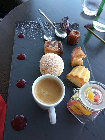 Superbe terrasse + café gourmand