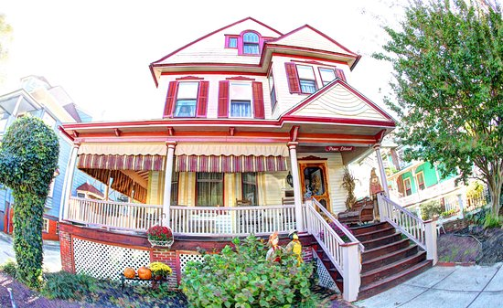 The Prince Edward Victorian Suites: Prince Edward Inn