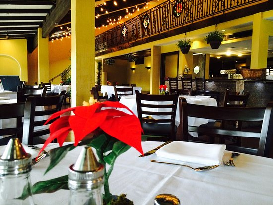 Cupertino, Californie : Enzo's Italian restaurant main dining room