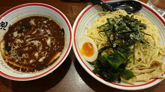 Warabi, Japão: 魚屯つけ麺