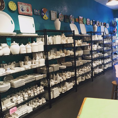 Noblesville, IN: Pottery choices!  There are lots to choose from!