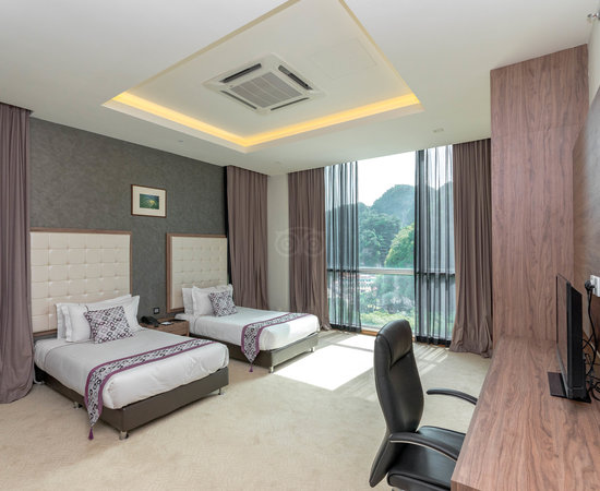 Symphony suites hotel s 5 8 s 52 updated 2018 - 2 bedroom hotel suites singapore ...