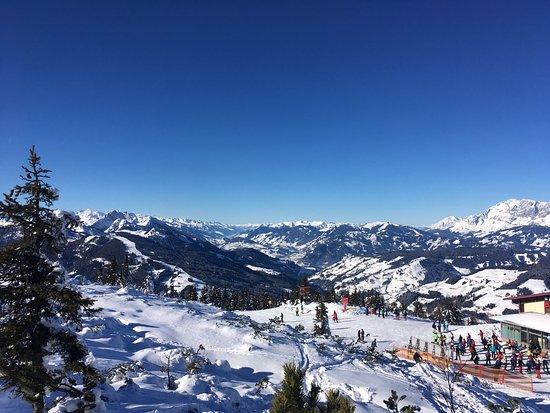 Flachau, Austria: Sonniger Skitag