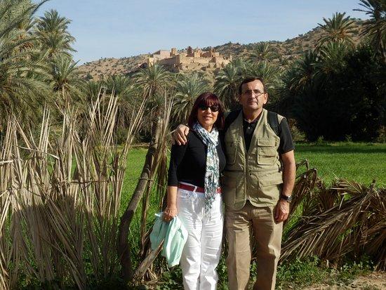 Kasbah of Tiout: desde el oasis al fondo las kashba