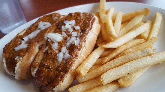 Monroe, MI: Chili dog lunch