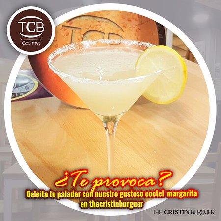 Cerdanyola del Valles, Spanien: Deleita tu paladar con nuestro gustoso coctel #Margarita en @thecristinburguer