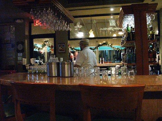 Yerba Buena Restaurant: bar area