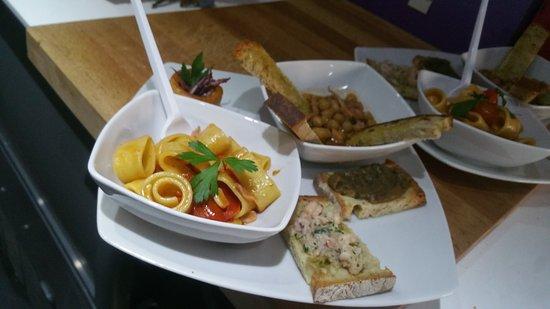 Boville Ernica, Italie : Colazioni,aperitivi,musica ecc. Immagina che festa vuoi, Noi te la organizziamo.Tutto questo e m