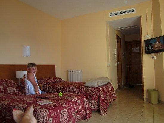 Intertur Palmanova Bay: Rummet