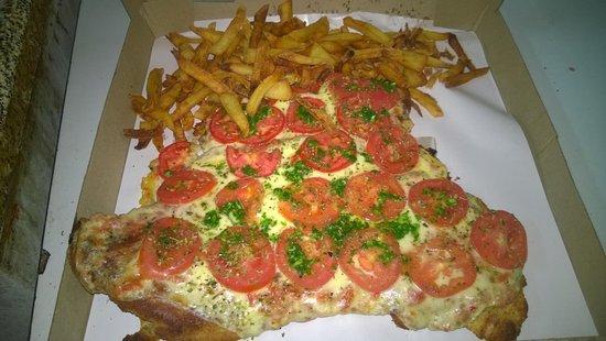 Pergamino, Argentina: pizzanesa napolitana... interminable !