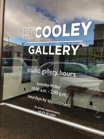 โรเจอร์ส, อาร์คันซอ: Ed Cooley Gallery