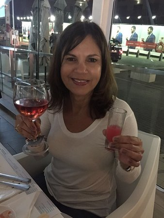 Mezepoli Meze Wine and Bar: photo1.jpg