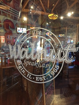 Элгин, Илинойс: Welcome to The Walnut Speakeasy