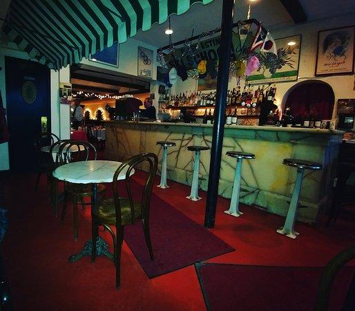 วอร์เรน, เวอร์มอนต์: Chez Henri