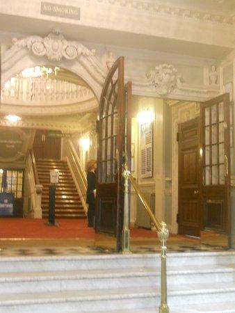 Top Hat: Queen Victoria Theatre