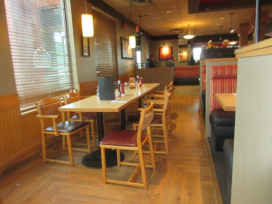 Maple Ridge, Canadá: Typical Seating & Decor