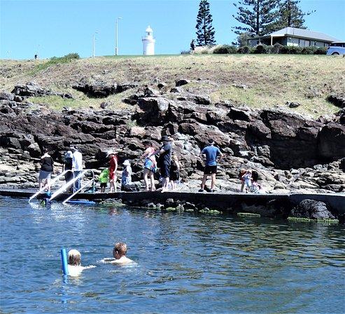 Kiama, Australia: POOL - HARBOUR CABINS - LIGHTHOUSE