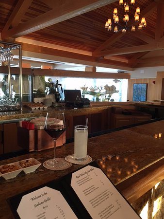 Ponte Vedra Beach, Floryda: Seahorse Grill offers ocean view and great dining.