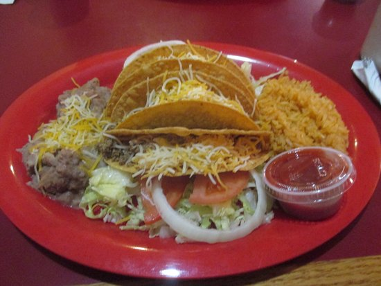 Whites City, NM: taco plate