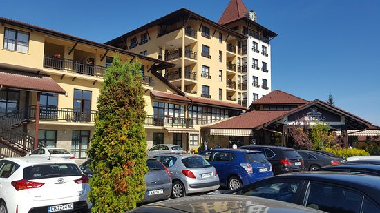 Grand hotel Velingrad and the parking lot