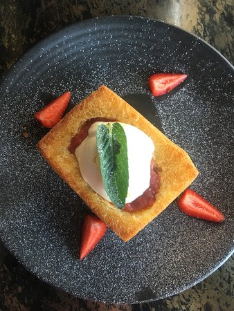 Balmain, Australien: Raspberry and Strawberry Toastie