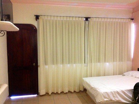 Hotel Balcon Gueela: Habitación con dos camas matrimoniales