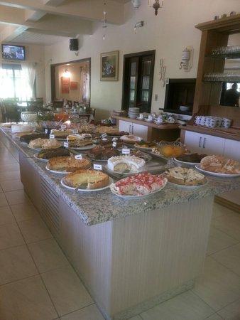 Café Colonial Recanto dos Plátanos: Nosso buffet cheio de delícias!