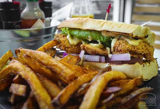 Flying Fish & Co.: oyster po boy