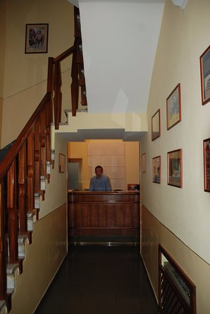 Hotel Romagna: Check in on first floor