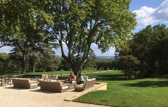Lauris, France: lounging outside